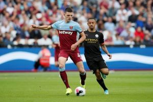 Babak I: Manchester City Robek Gawang West Ham United