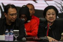 Megawati Sampaikan Buku Berisi Perjalanan Hidupnya ke Media