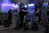 Polisi Hong Kong Mengaku Terpaksa Gunakan Meriam Air