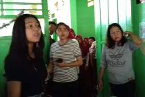 Viral Video Ibu Guru Dihajar Orangtua Siswa, Murid Lainnya Coba Lindungi Bikin Terharu