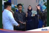 Viral Calon Pengantin di Surabaya Disawer Dolar Saat Lamaran
