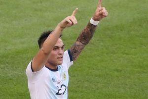 Cetak Sejarah di Tim Tango: Tak Ada Messi, Lautaro Martinez Pun Jadi