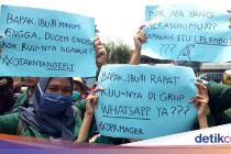Poster Sindiran Mahasiswa yang Demo: DPR, Apa yang Merasukimu!