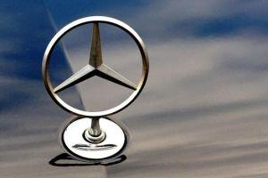 Lakukan Kecurangan, Induk Mercedes-Benz Didenda Rp13,5 T
