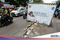 Hati-hati, Ada Jalan Retak di Kawasan Hayam Wuruk Jakarta