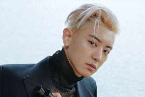 Chanyeol EXO Malah Digoda Fans Usai Umbar Dada di Pemotretan Terbaru