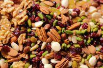 Diet Gagal saat Bepergian? Pilih 4 Camilan Sehat Ini