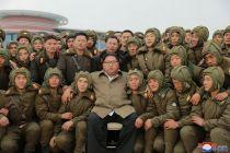 Kim Jong-un Awasi Latihan Perang Angkatan Udara Korut