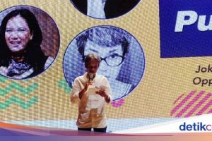 Joko Pinurbo Segera Rilis Buku Puisi 'Perjamuan Khong Guan'