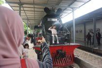 Liburan Tahun Baru, Menikmati Laju Kereta Tua di Ambarawa