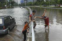 Banjir, Jasa Marga Masih Tutup Jalan Tol Dalam Kota ke Tangerang