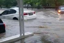 Video Viral BMW Terseret Arus Banjir, Pemiliknya Protes