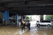 Video Viral Camat Ciledug Marahi Relawan Banjir, Ini Kata Relawan