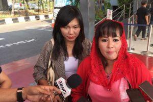 Gerindra Sebut Massa Kontra Anies 'Bayaran', Dewi Tanjung Membantah