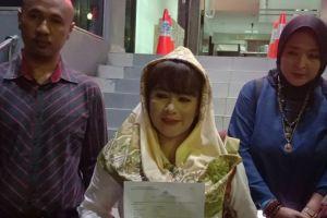 Dewi Tanjung Laporkan Pendukung Anies ke Polisi