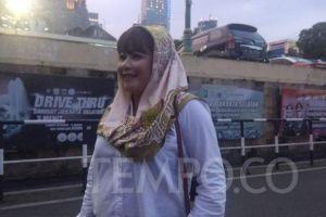 Laporkan Pendukung Anies, Dewi Tanjung: Saya Dilempar dan Diteriaki Gila