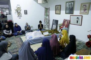 Suasana di Rumah Duka Aktris Senior Ade Irawan