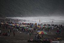 BMKG: Waspada Gelombang Tinggi di Laut Selatan Yogyakarta