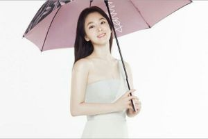 Song Hye Kyo Dipuji Gila-Gilaan Usai Usung Gaya Cetar di Fashion Show di Milan
