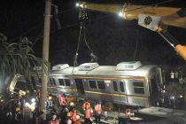 KCI Evakuasi Kereta Anjlok Jurusan Jakarta Kota - Bogor