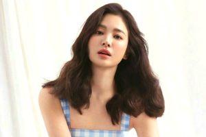 Song Hye Kyo Narsis Bareng Model 15 Tahun Lebih Muda, Visual Jadi Sorotan