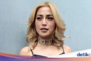 Ditabrak Lari, Ayah Jessica Iskandar Dibawa ke RS Khusus Bedah