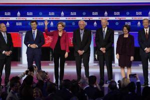 Bernie Sanders 'Dikeroyok' di Debat Kandidat Capres Amerika