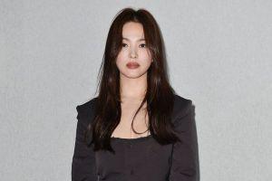 Song Hye Kyo Tampil Serba Tertutup Saat Balik ke Korea Pertama Kali dalam 6 Bulan