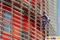 "Kampanye Virus Corona, ""Spiderman"" Prancis Kembali Panjat Gedung Pencakar Langit"