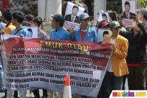 Massa Jong Riau Anti Korupsi Desak KPK Jerat Ketua DPRD Riau