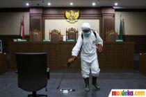 Ruang Sidang PN Jakarta Pusat Disemprot Cairan Disinfektan