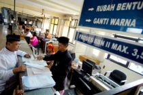 Cegah Virus Corona, Seluruh Samsat di Banten Disemprot Disinfektan