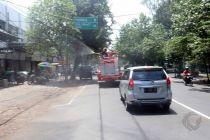 Antisipasi Covid-19, Jalan Protokol di Jombang Disemprot Ribuan Liter Disinfektan