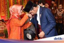 Ibunda Jokowi Meninggal Dunia, Menkominfo Berduka