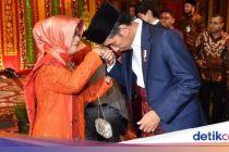 Ibunda Jokowi Meninggal Dunia, Menkominfo Ikut Berduka