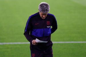 Pelatih Barcelona Pamer Kemampuan Memasak Saat Karantina Corona