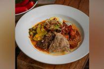 Resep Opor Ayam dan Sambal Goreng Kentang ala Chef Vindex Tengker