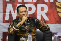 Bambang Soesatyo Umumkan Lelang Motor Listrik Jokowi Siang Ini