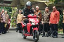 Pakai Tabungan, Warren Tanoe Tebus Motor Listrik Jokowi Rp 2,55 M