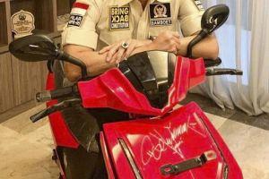 Anak Bungsu Hary Tanoe Menang Lelang Motor Listrik Jokowi