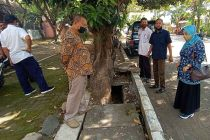 Normaliasi Saluran Air Depan TWSL Kota Probolinggo Tak Selesai, PUPR Belum Bayar Ongkos Tukang