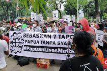 Puluhan Orang Demo Depan MA Tuntut 7 Tapol Papua Dibebaskan