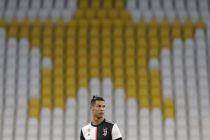 Sarri Minta Ronaldo Ikut Bertahan di Final Coppa Italia
