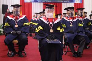 Raih IPK Tinggi, Menaker Ida Jadi Wisudawan Doktor Terbaik IPDN 2020
