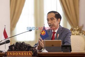 Lantik Praja IPDN, Jokowi: Birokrasi Seringkali Terjebak Pada Aturannya Sendiri