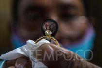 Harga Emas Antam di Pegadaian Turun jadi Rp 1.068.000 per Gram