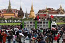 Ribuan Demonstran Berunjuk Rasa di Bangkok Menentang Pemerintah