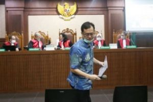 Positif Covid-19, Benny Tjokro Batal Jalani Tuntutan
